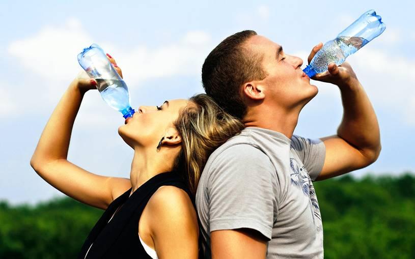 Hidratação Afinal Quanto de Água Beber por Dia