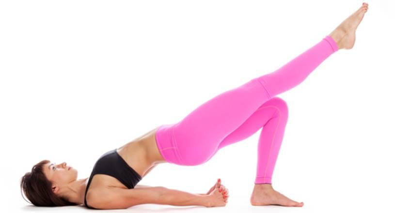 Melhores-Exercícios-para-Pessoas-Preguiçosas-Ponte-com-extensão-de-perna