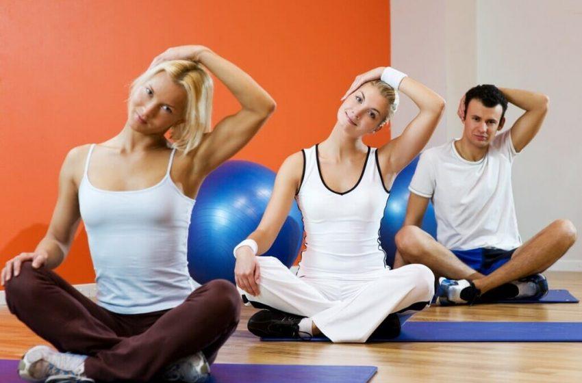 Pilates ou Yoga? Qual prática é mais adequada para quem deseja emagrecer?
