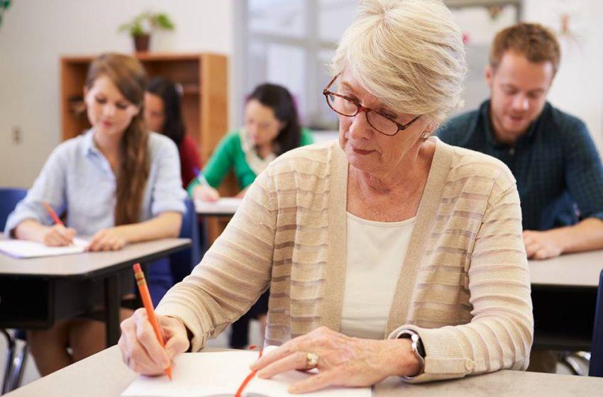 Vale a pena voltar a estudar após os 50 anos